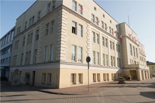 Prace w budynkach publicznych w Sępólnie Krajeńskim. Termomodernizację przechodzi gmach urzędu miejskiego oraz starostwa powiatowego