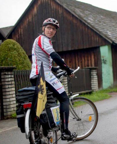 Rowerzysta chce wesprzeć pięciolatkę z Potulic. Aby to zrobić, planuje objechać Polskę