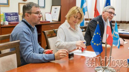 Blisko 134 tysiące złotych od gminy Nakło dla organizacji pozarządowych. Wczoraj podpisano kolejne umowy