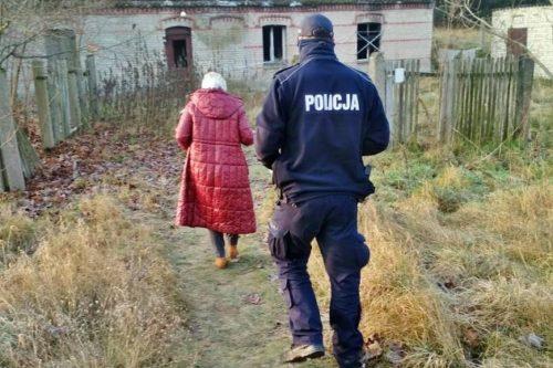 Kontrole miejsc przebywania bezdomnych rozpoczęte. Policjanci i pracownicy nakielskiego MGOPS-u sprawdzali te w gminie Nakło