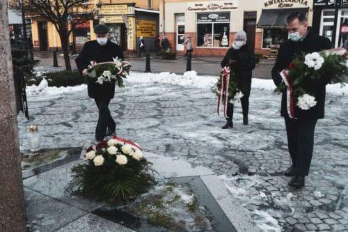 101 rocznica odzyskania przez Nakło niepodległości. Dzisiaj na Rynku świętowano powrót do macierzy